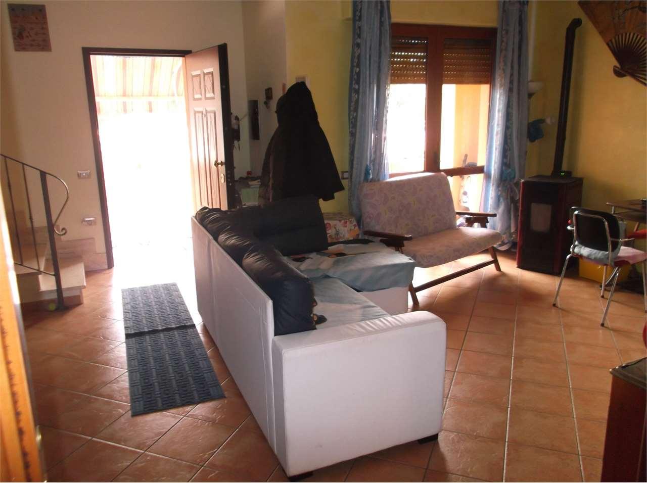Villa a Schiera in vendita a Assemini, 4 locali, prezzo € 230.000   CambioCasa.it