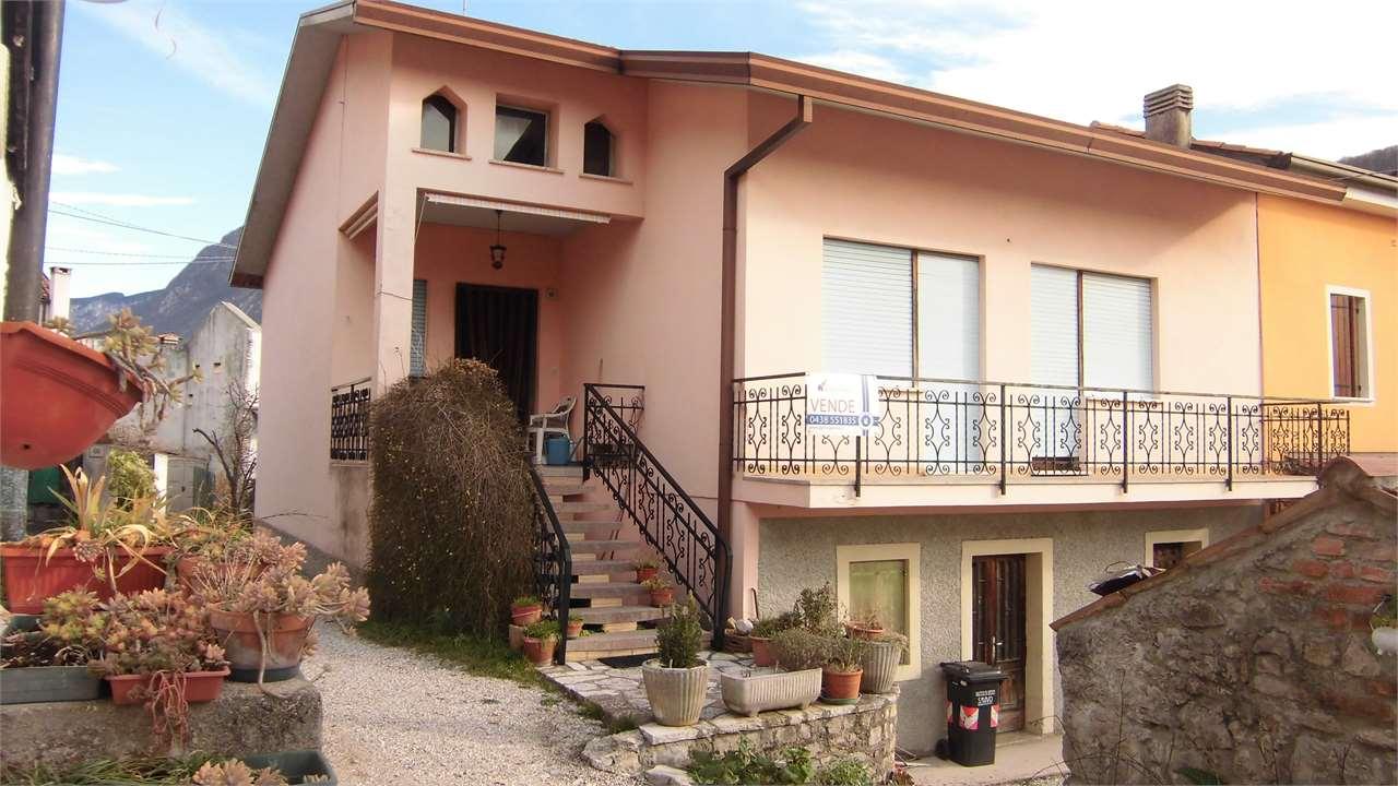 Soluzione Indipendente in vendita a Vittorio Veneto, 5 locali, zona Località: Zona Nord, prezzo € 85.000   CambioCasa.it