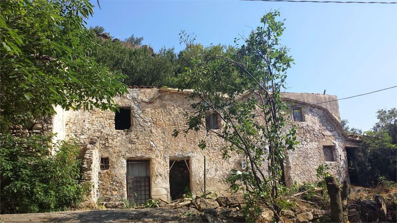 Rustico / Casale in vendita a Monreale, 6 locali, zona Zona: Pioppo, prezzo € 10.000   CambioCasa.it