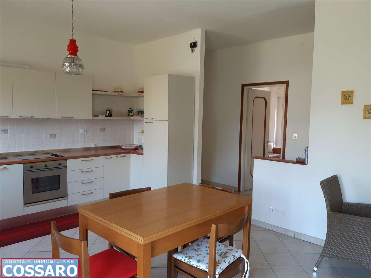 Appartamento in vendita a Castions di Strada, 5 locali, prezzo € 78.000 | CambioCasa.it