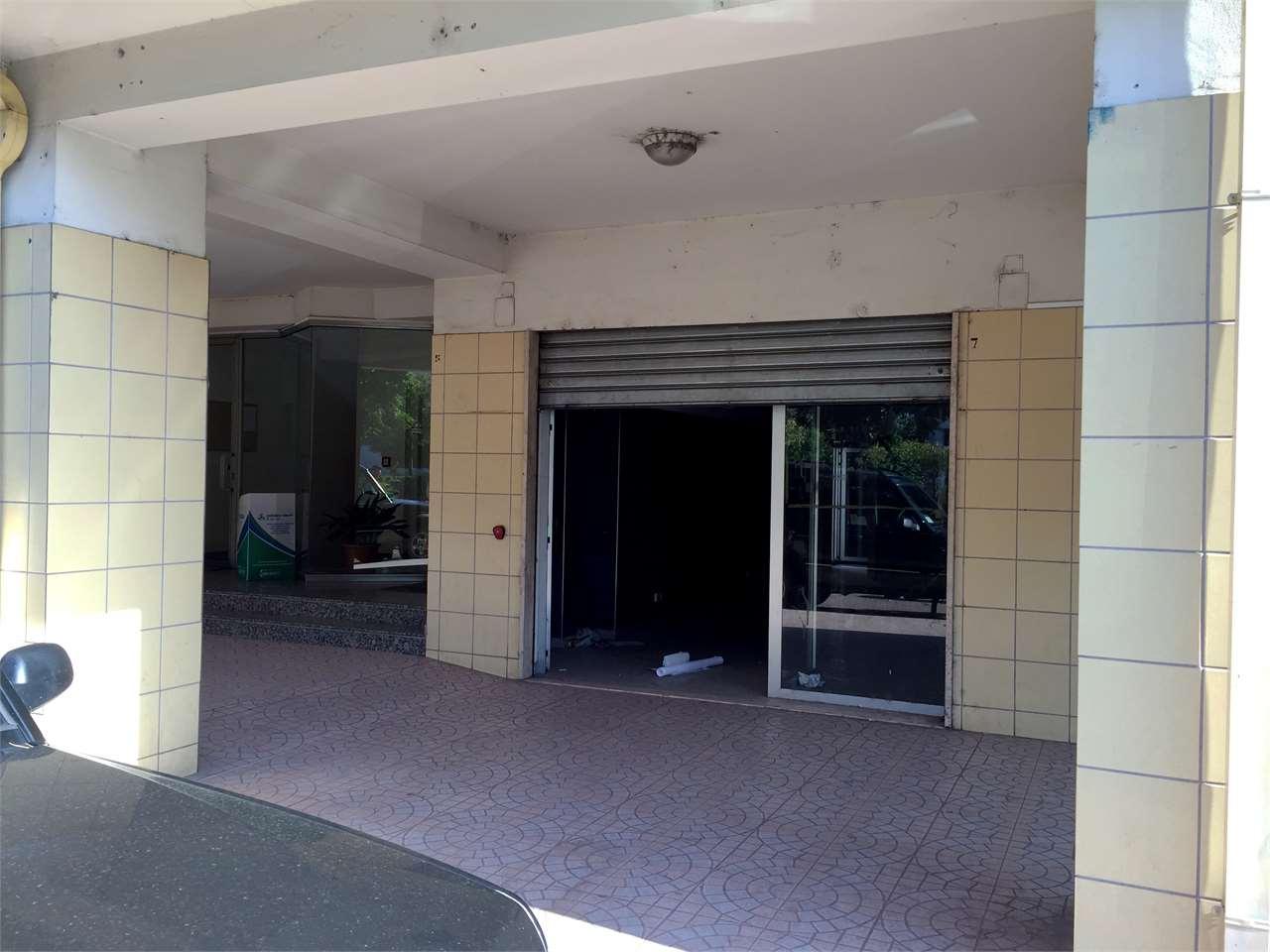 Magazzino in vendita a Rende, 9999 locali, zona Zona: Quattromiglia, prezzo € 160.000 | CambioCasa.it