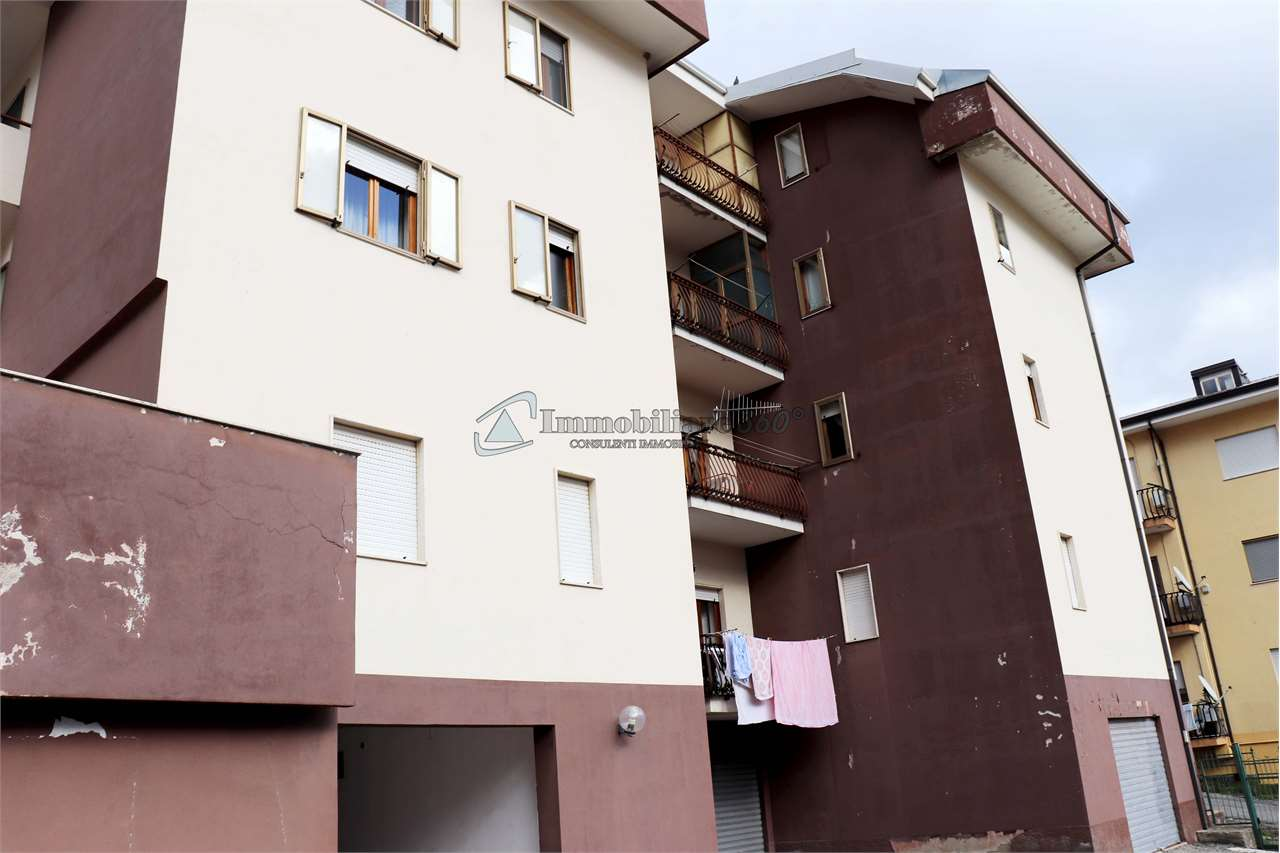 Appartamento in vendita a Castrolibero, 6 locali, prezzo € 79.000 | CambioCasa.it