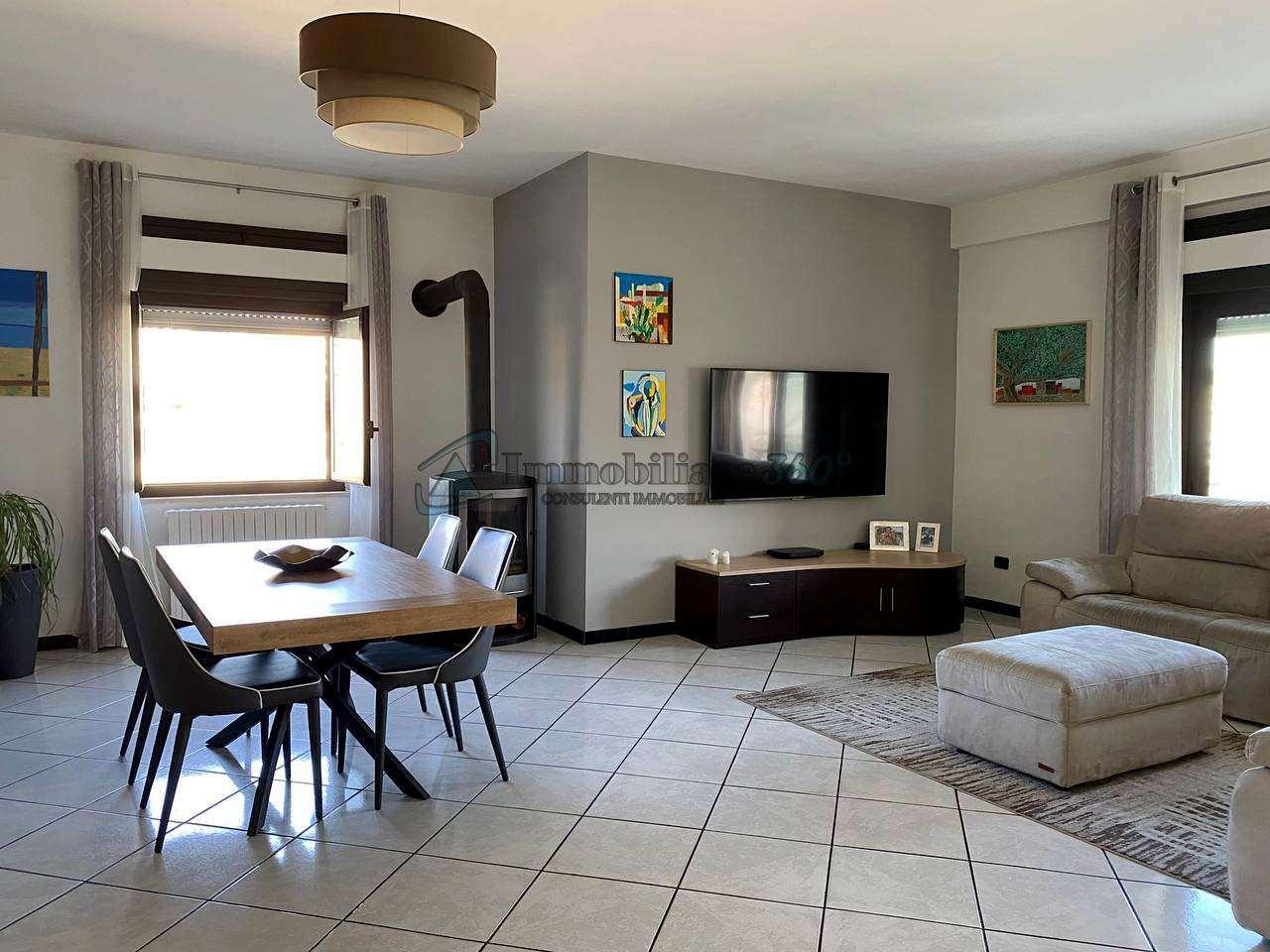 Appartamento in vendita a Castrolibero, 5 locali, prezzo € 108.000 | CambioCasa.it
