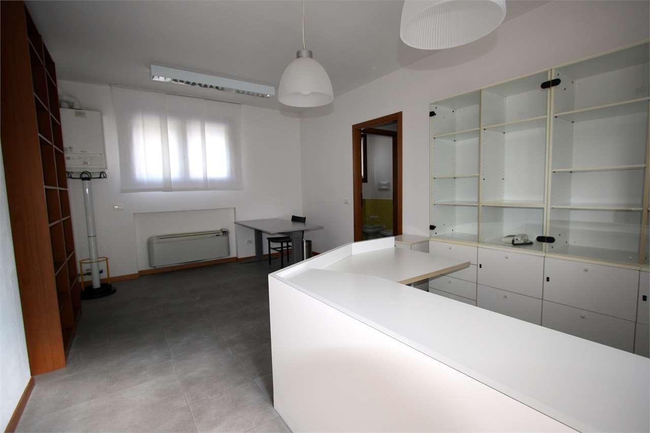 Ufficio / Studio in affitto a Zanica, 2 locali, prezzo € 550 | PortaleAgenzieImmobiliari.it