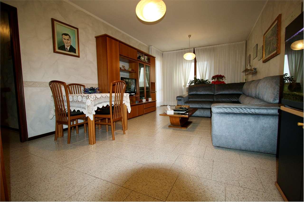 Appartamento in vendita a Zanica, 4 locali, prezzo € 119.000   PortaleAgenzieImmobiliari.it