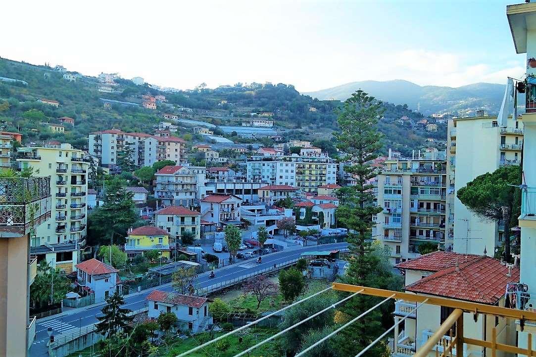 vendita appartamento sanremo semicentrale Via Martiri della  Liberta 130000 euro  4 locali  75 mq