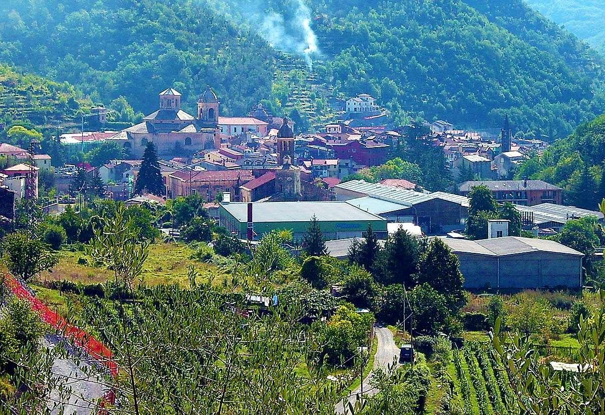 Rustico / Casale in vendita a Pieve di Teco, 3 locali, zona Zona: Lovegno, prezzo € 13.000 | CambioCasa.it