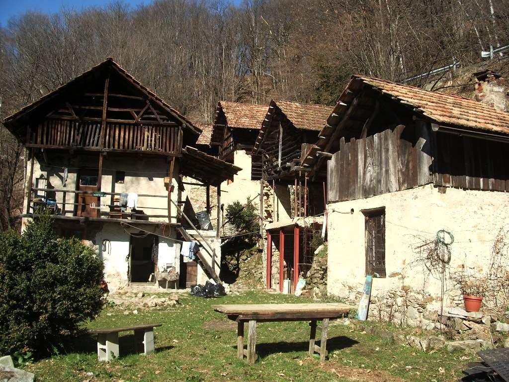 Vendita Rustico/Casale/Castello Casa/Villa Arola Via Colma  20526