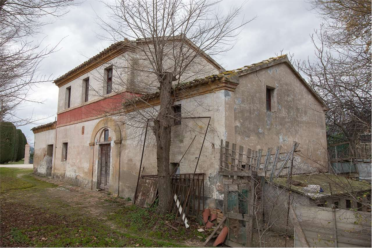 Rustico/Casale/Corte Osimo V0101