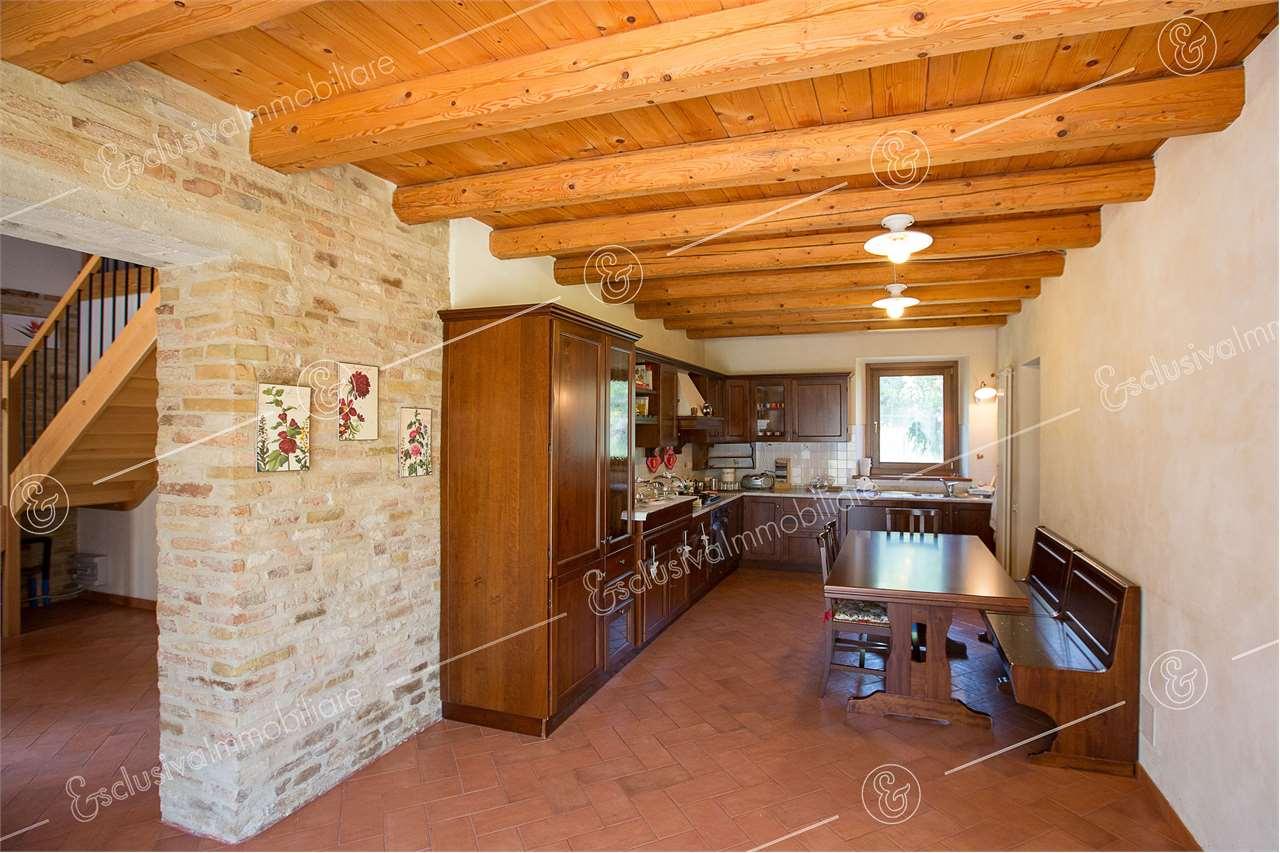 Rustico/Casale/Corte Osimo V0146