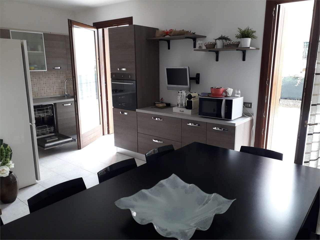 Villa a Schiera in vendita a Sarcedo, 7 locali, prezzo € 218.000 | CambioCasa.it