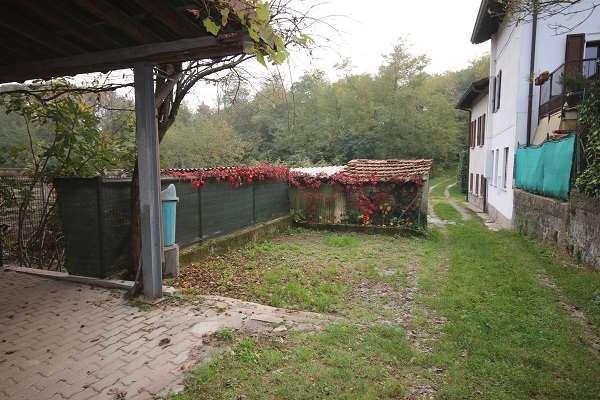 Appartamento in vendita a Faloppio, 4 locali, prezzo € 175.000   CambioCasa.it