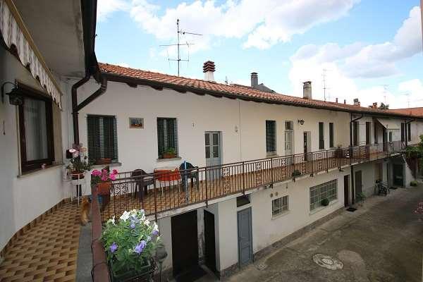 Appartamento in vendita a Lurate Caccivio, 4 locali, prezzo € 290.000 | CambioCasa.it