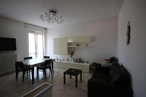 Appartamento in vendita a Olgiate Comasco, 2 locali, prezzo € 115.000   CambioCasa.it