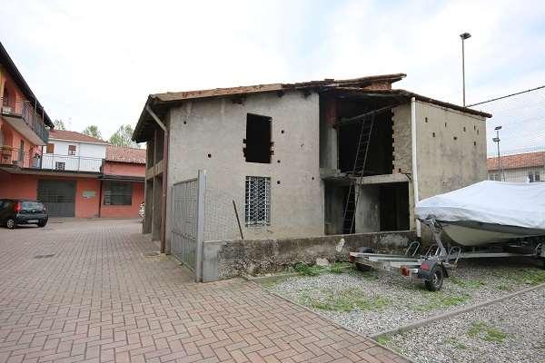Rustico / Casale in vendita a Olgiate Comasco, 2 locali, prezzo € 40.000 | PortaleAgenzieImmobiliari.it