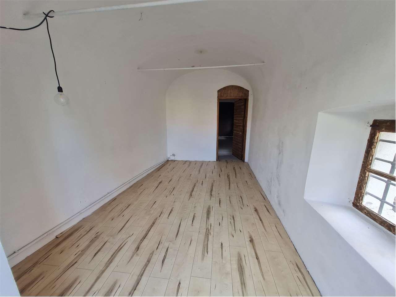 Appartamento in affitto a Sarzana, 3 locali, prezzo € 320   CambioCasa.it