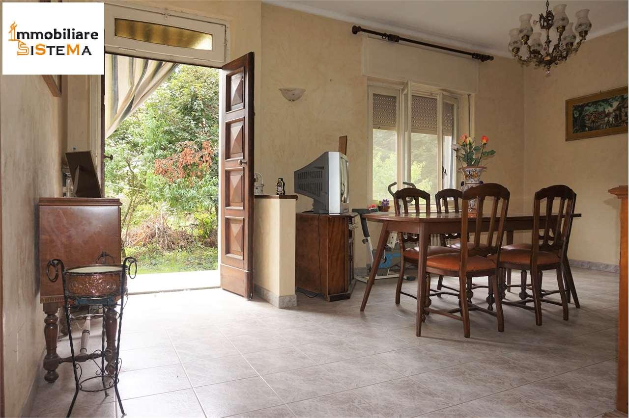 Villa Bifamiliare in vendita a Santena, 5 locali, prezzo € 190.000 | CambioCasa.it