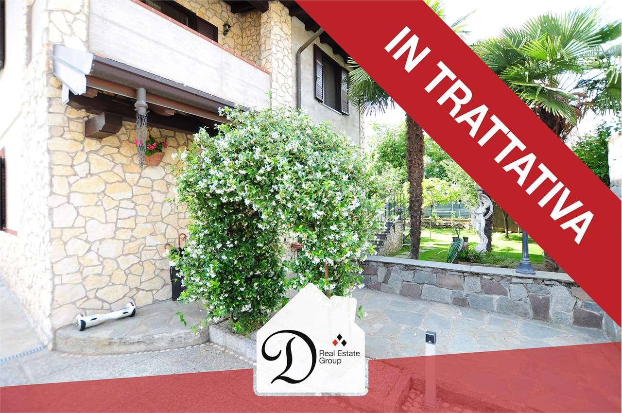 Villa in vendita a Somma Lombardo, 7 locali, prezzo € 279.000 | CambioCasa.it