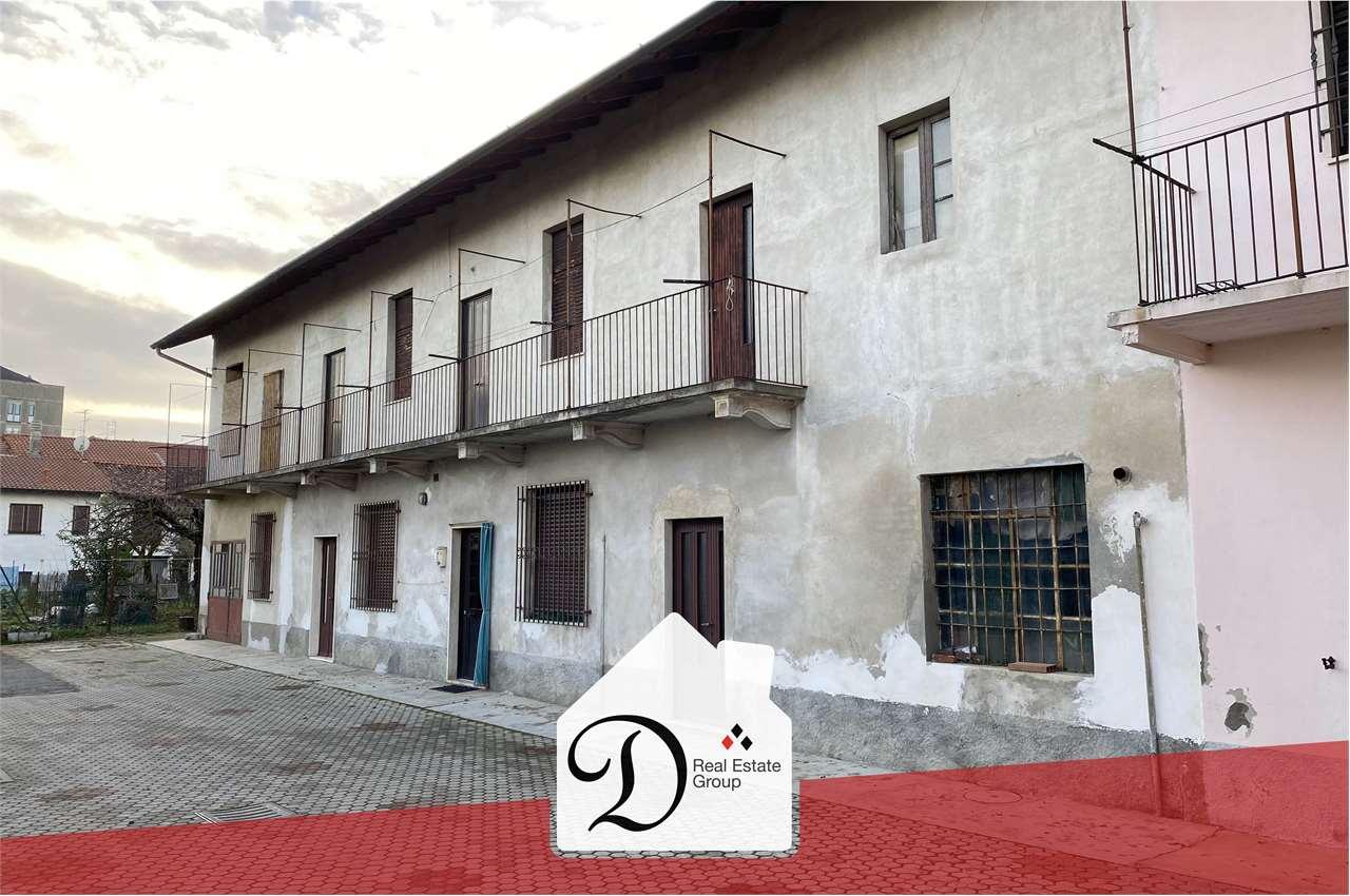 Appartamento in vendita a Gallarate, 7 locali, prezzo € 145.000 | CambioCasa.it