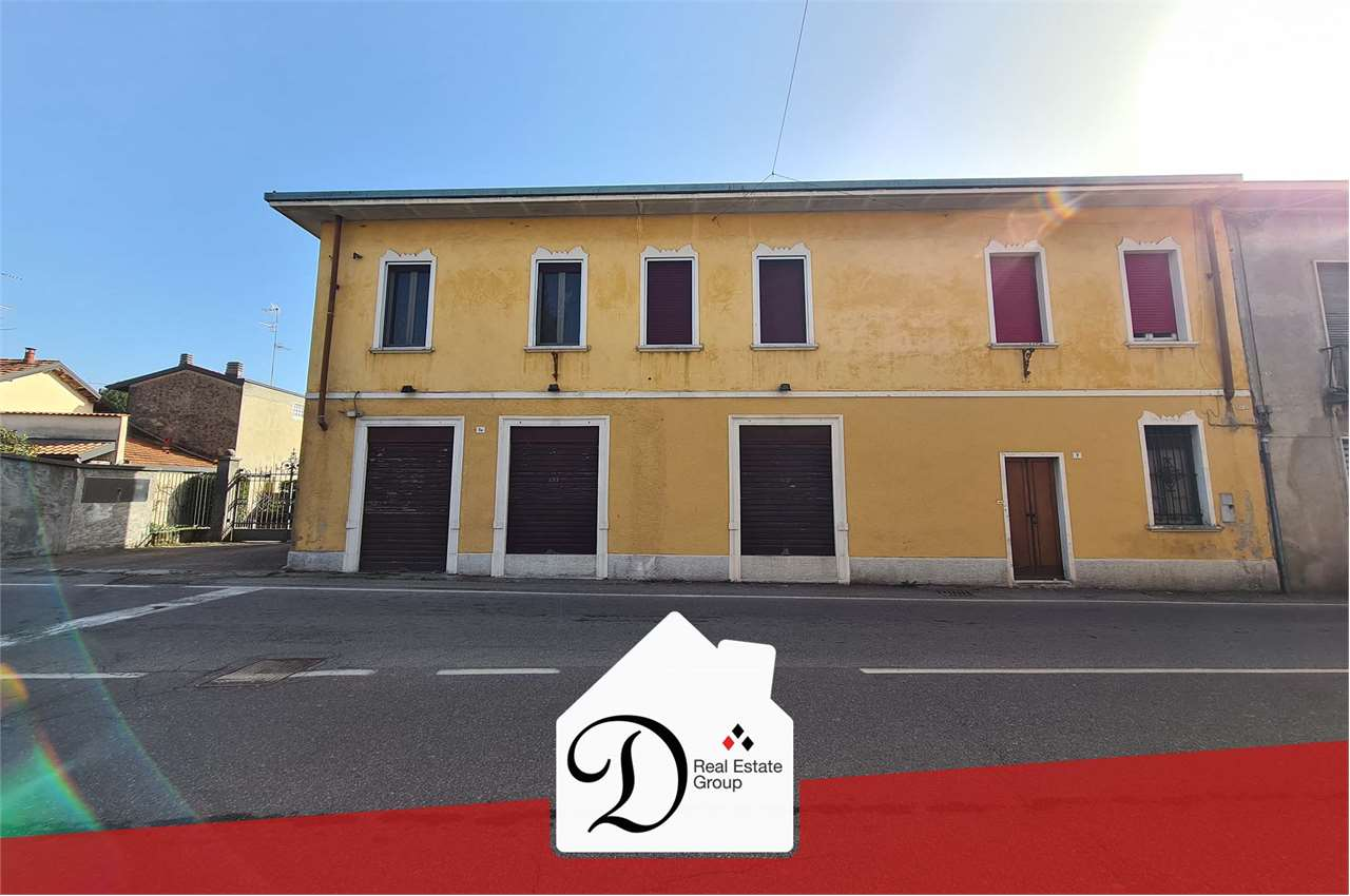 Negozio / Locale in affitto a Besnate, 2 locali, prezzo € 600 | PortaleAgenzieImmobiliari.it