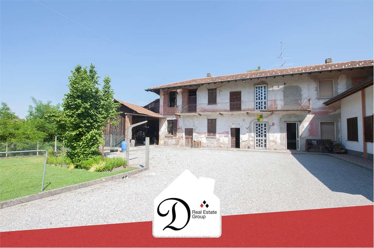 Villa Bifamiliare in vendita a Besnate, 5 locali, prezzo € 99.000 | PortaleAgenzieImmobiliari.it