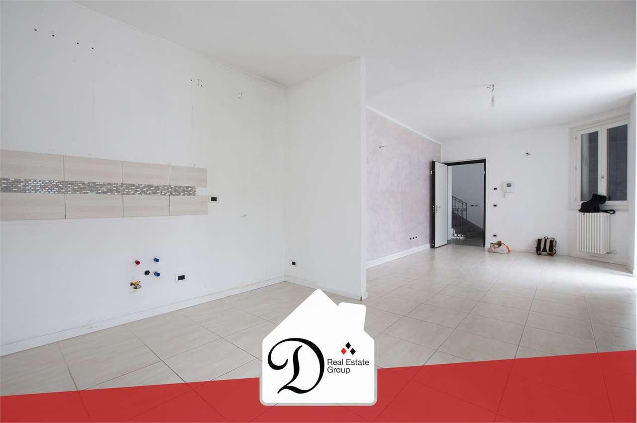 Appartamento in vendita a Casorate Sempione, 3 locali, prezzo € 150.000 | CambioCasa.it