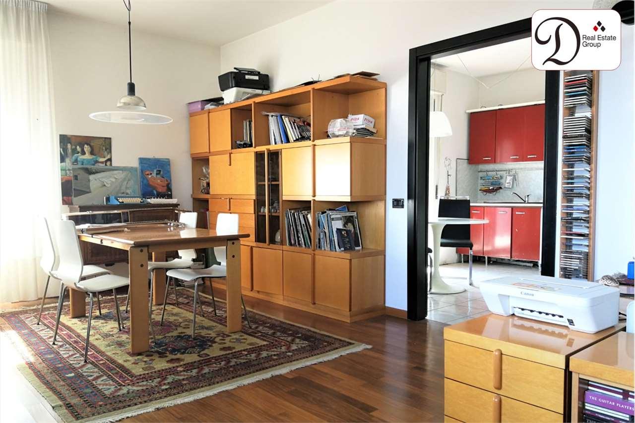 Appartamento in vendita a Sumirago, 6 locali, prezzo € 118.000 | CambioCasa.it