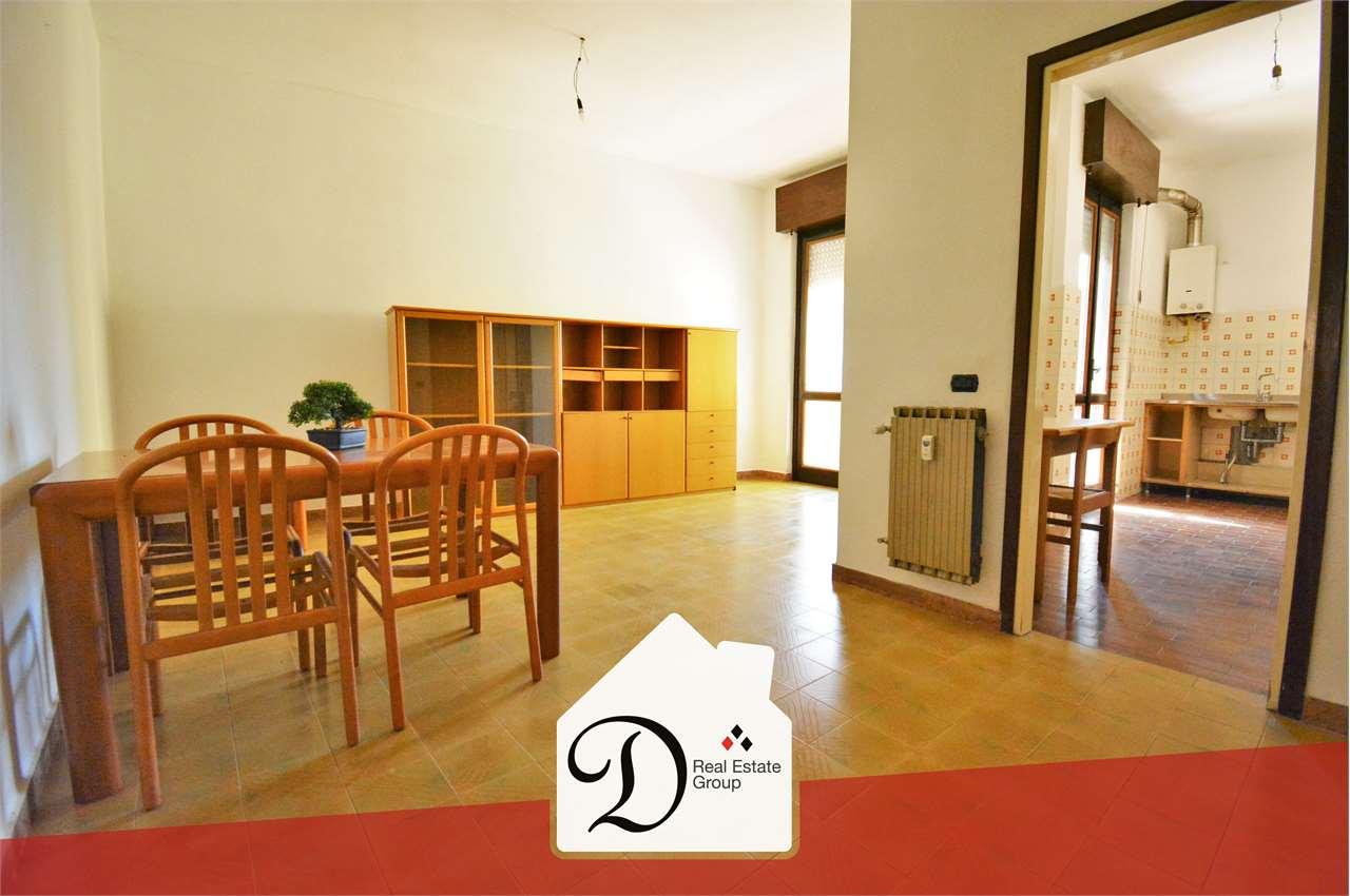 Appartamento in vendita a Castronno, 3 locali, prezzo € 70.000 | CambioCasa.it