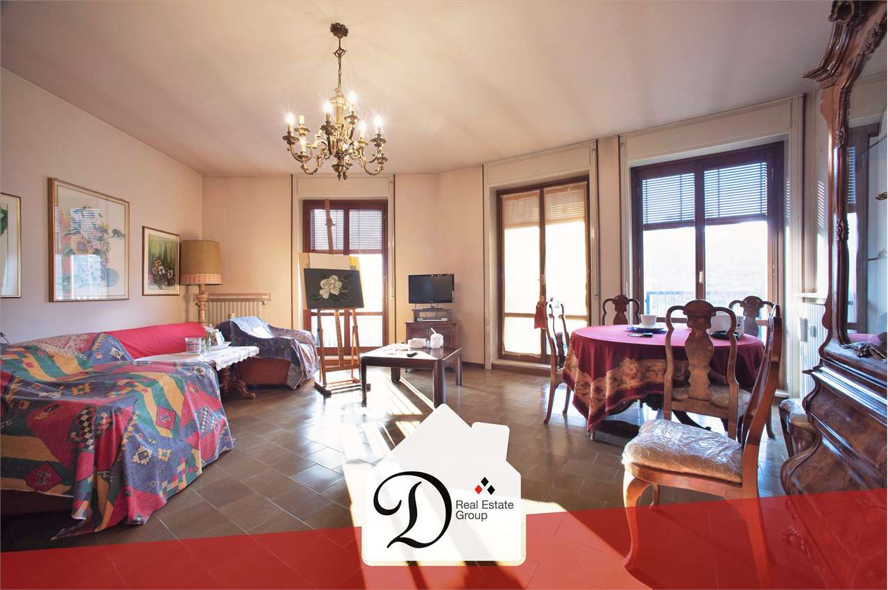 Appartamento in vendita a Azzate, 4 locali, prezzo € 160.000 | CambioCasa.it