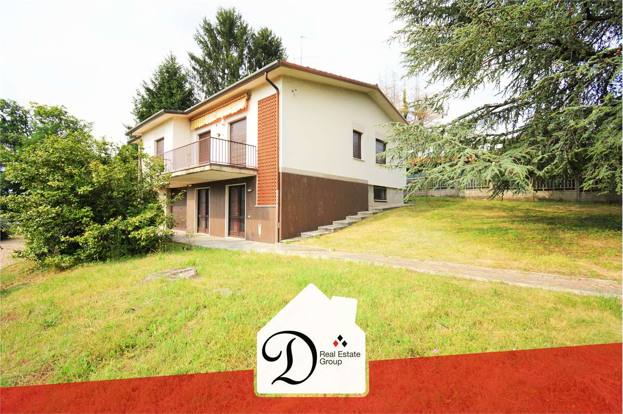 Villa in vendita a Sumirago, 10 locali, zona Località: Albusciago, prezzo € 315.000 | CambioCasa.it