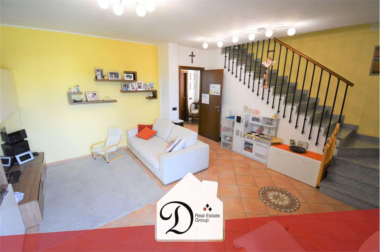 Villa a Schiera in vendita a Albizzate, 5 locali, prezzo € 255.000   PortaleAgenzieImmobiliari.it