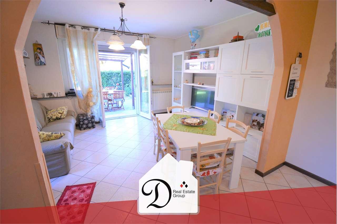 Appartamento in vendita a Gazzada Schianno, 3 locali, prezzo € 155.000 | PortaleAgenzieImmobiliari.it