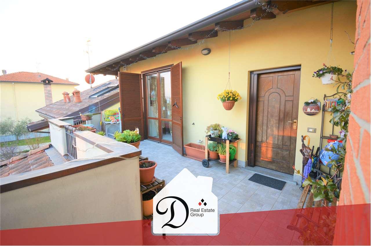 Appartamento in vendita a Castronno, 3 locali, prezzo € 154.000 | CambioCasa.it
