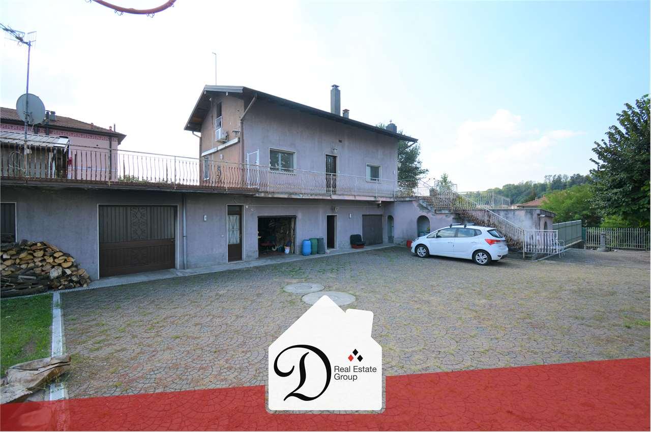 Villa in vendita a Castronno, 6 locali, prezzo € 230.000 | CambioCasa.it
