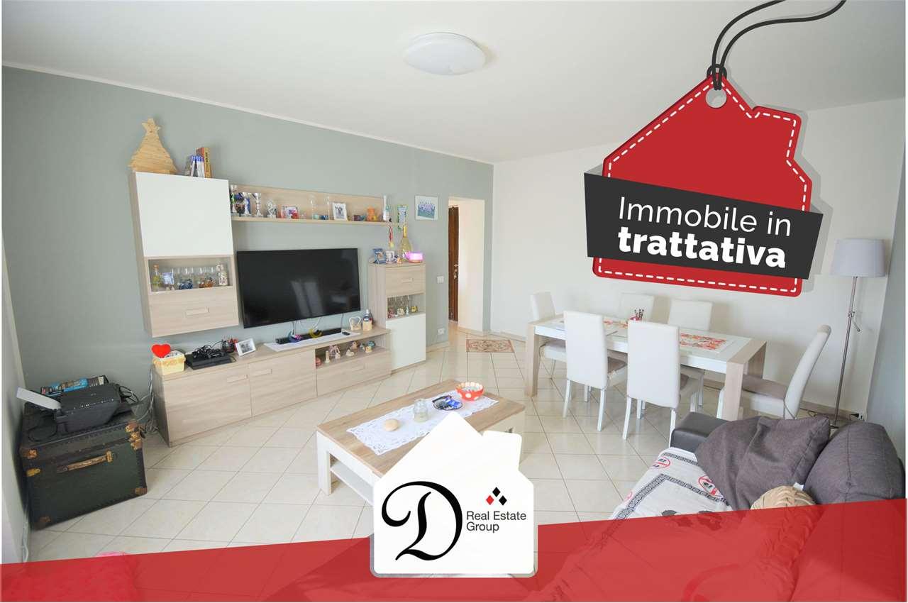 Appartamento in vendita a Castronno, 4 locali, prezzo € 105.000 | PortaleAgenzieImmobiliari.it
