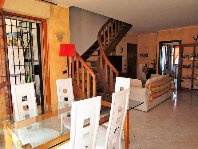 Appartamento in vendita a Savignano sul Panaro, 4 locali, zona Zona: Mulino, prezzo € 198.000 | CambioCasa.it