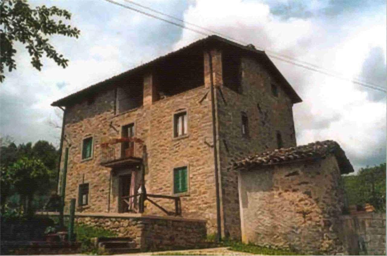 Rustico / Casale in vendita a Villa Collemandina, 8 locali, prezzo € 230.000 | CambioCasa.it