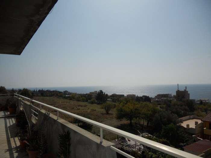 Appartamento in vendita a Motta San Giovanni, 4 locali, zona Zona: Lazzaro, prezzo € 65.000 | CambioCasa.it