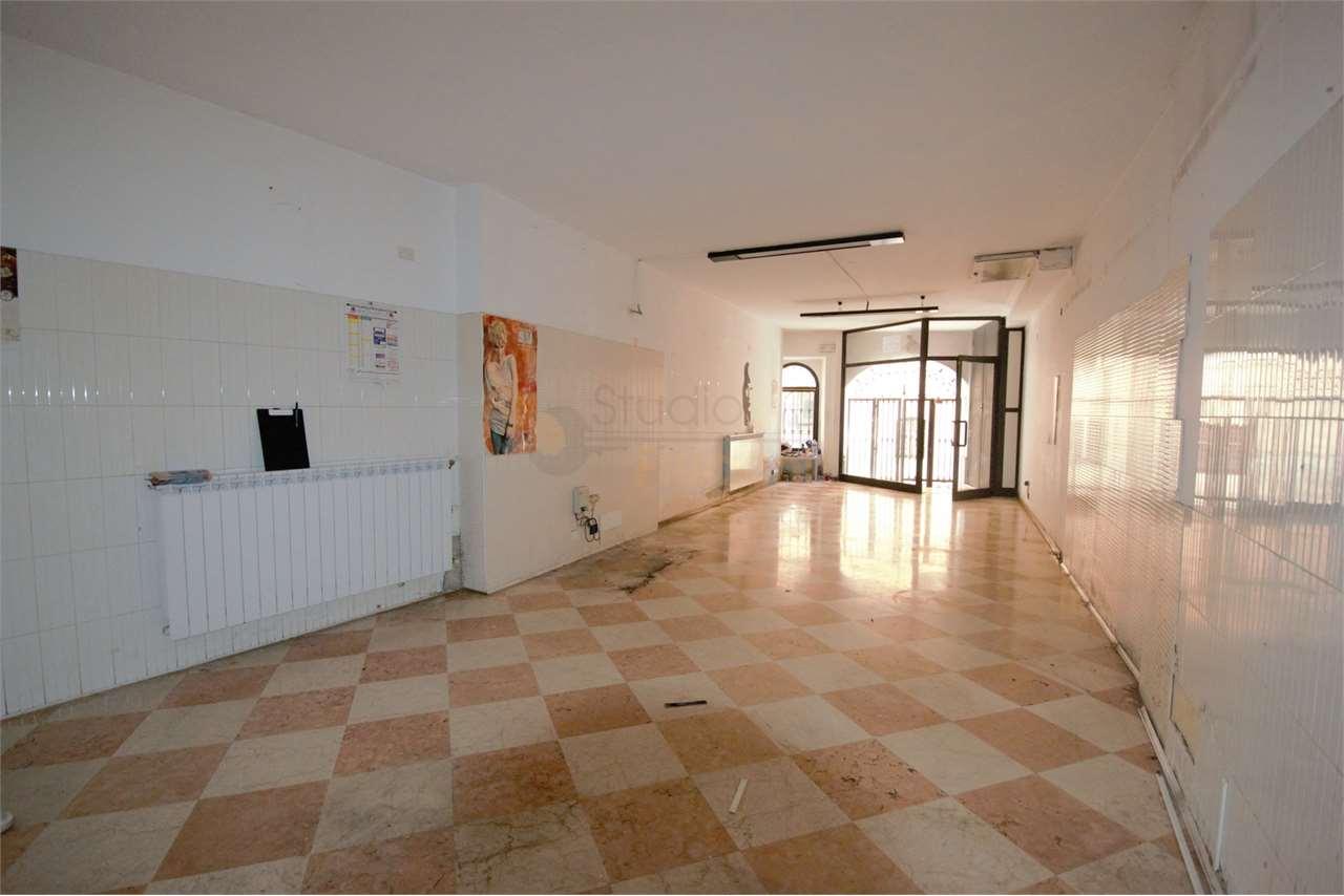 Negozio / Locale in affitto a Gavardo, 1 locali, prezzo € 460 | PortaleAgenzieImmobiliari.it