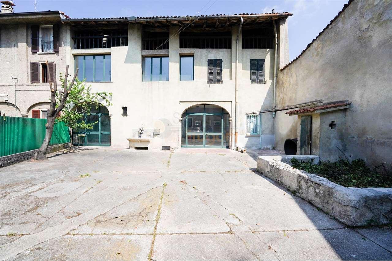 Rustico / Casale in vendita a Gavardo, 11 locali, prezzo € 198.000 | PortaleAgenzieImmobiliari.it