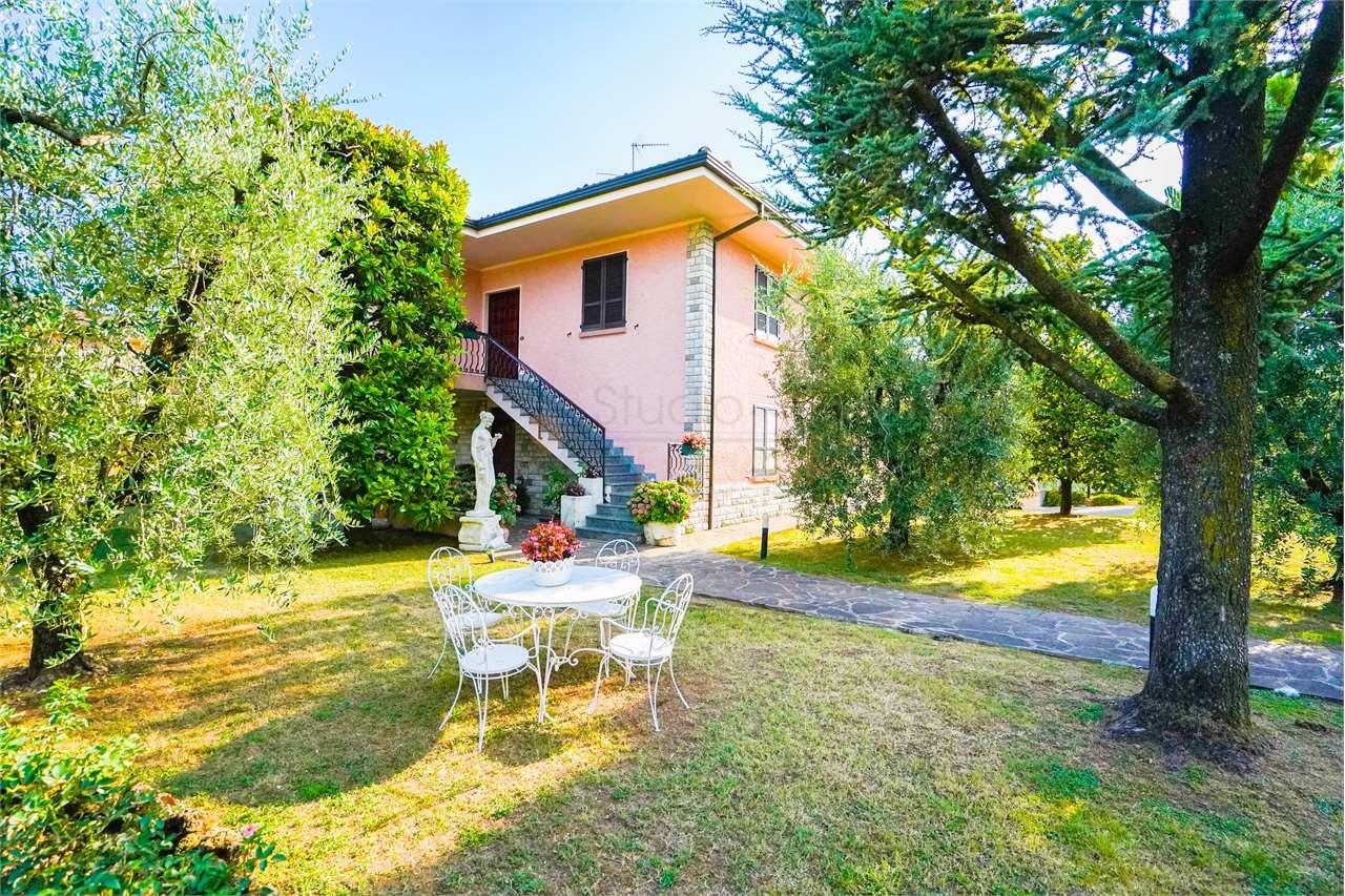 Villa in vendita a Puegnago sul Garda, 12 locali, prezzo € 590.000   PortaleAgenzieImmobiliari.it