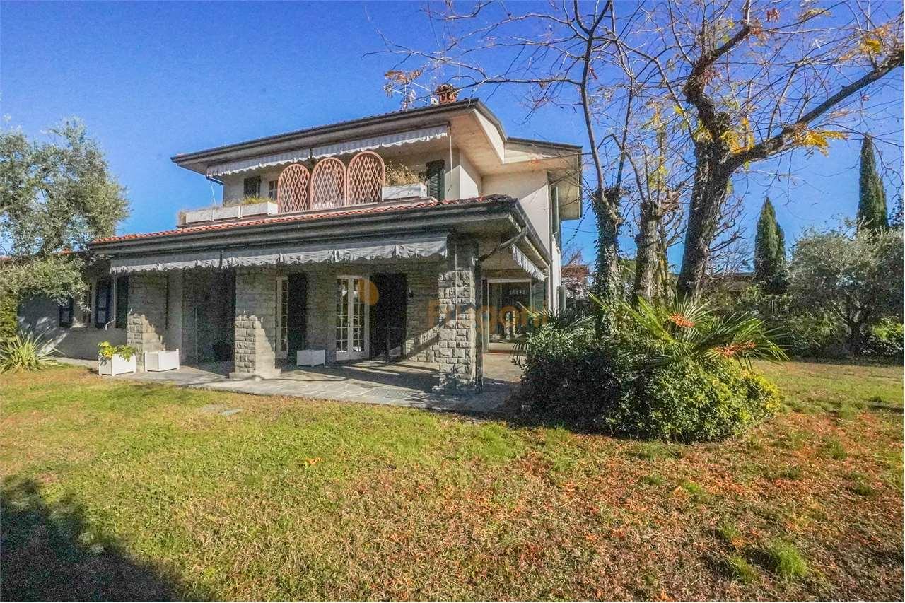 Soluzione Indipendente in vendita a Puegnago sul Garda, 6 locali, prezzo € 640.000   PortaleAgenzieImmobiliari.it
