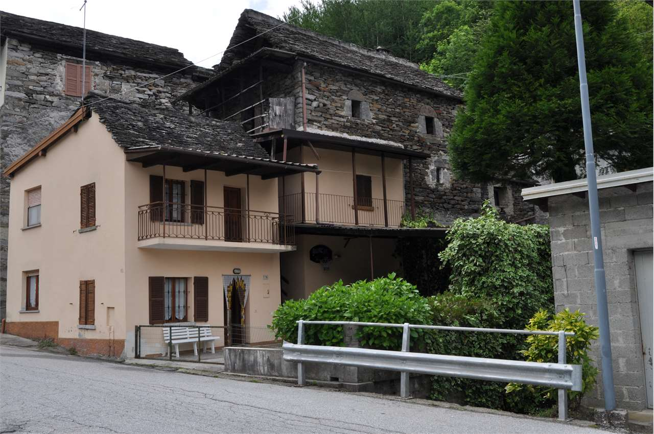 Foto 1 di Casa indipendente Via Provinciale 76, Viganella