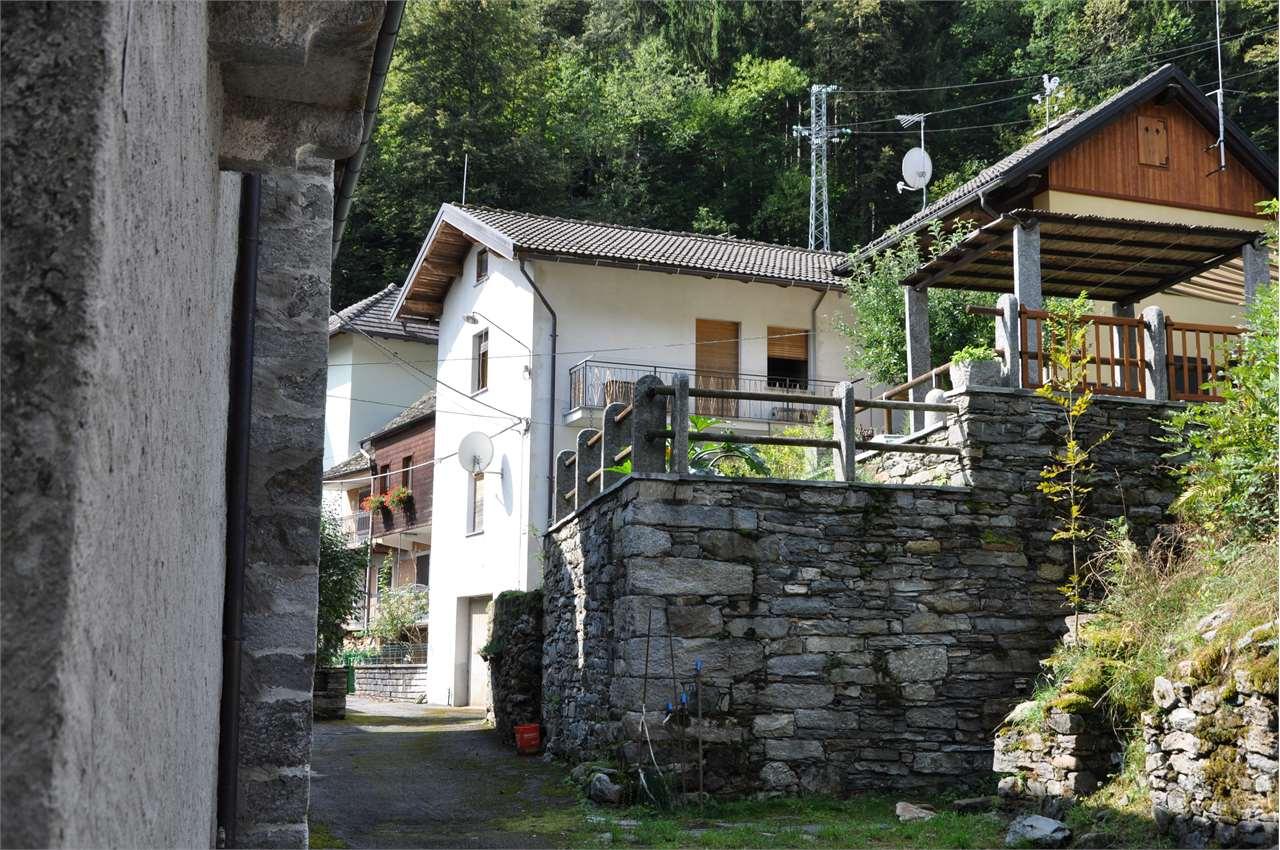 Foto 1 di Casa indipendente Via Don Francesco Cerutti 5, Antrona Schieranco