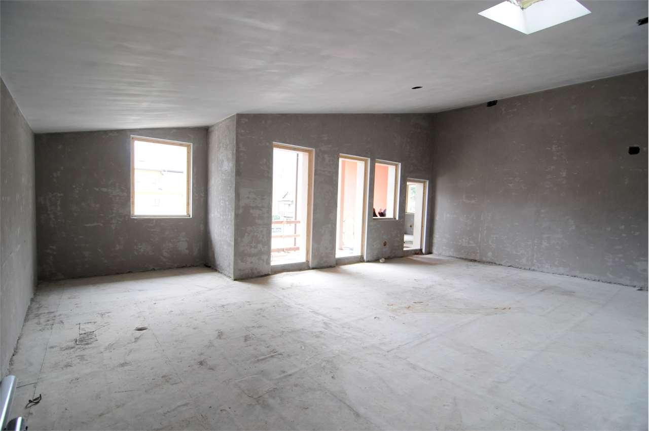 Foto 1 di Appartamento via bianchi novello 7, Villadossola