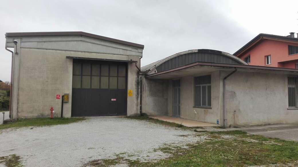 Capannone in vendita a Brenna, 9999 locali, zona Zona: Olgelasca, prezzo € 300.000 | CambioCasa.it