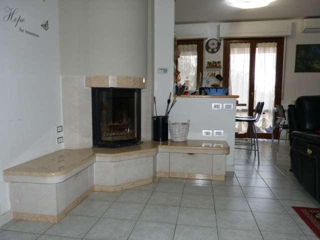 Appartamento in vendita a Subbiano, 3 locali, prezzo € 120.000 | CambioCasa.it