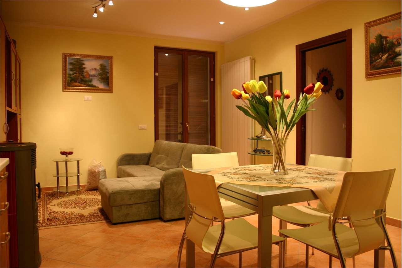 Appartamento in vendita a Subbiano, 3 locali, zona Zona: Poggio d'Acona, prezzo € 75.000 | CambioCasa.it