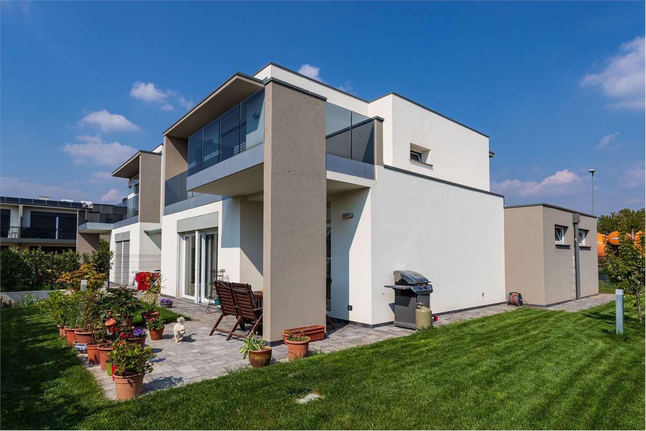 Villa in Vendita a Cadorago