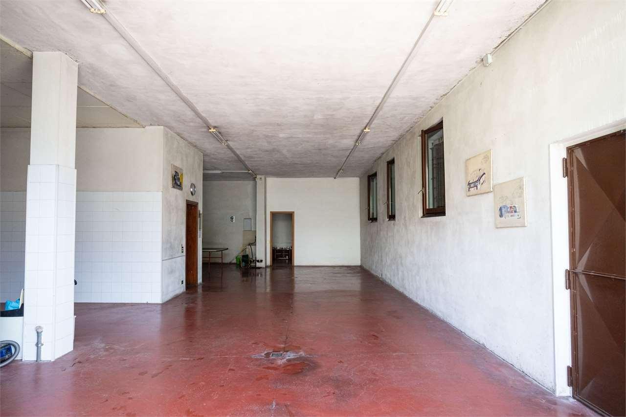 Capannone in vendita a Cadorago, 5 locali, prezzo € 465.000 | CambioCasa.it